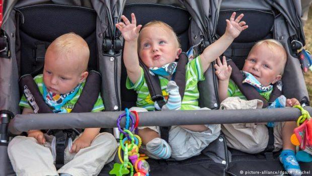 Οι γονείς δαπανούν δις για μωρά και παιδιά