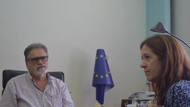 Η Victoria Hislop στηρίζει την υποψηφιότητα της Σπιναλόγκας