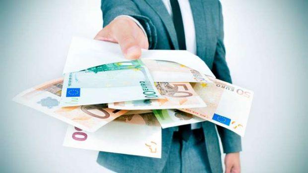 """Ανάγκη ενός ισχυρού """"σοκ εμπιστοσύνης"""" για τις τράπεζες"""